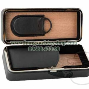 3-Cigar-Black-Folding-Case-With-Cutter